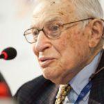 На 96-ом году жизни умер самый молодой нобелевский лауреат