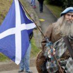Шотландия снова требует референдума