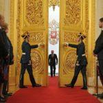 Путин со скептицизмом относится к восстановлению монархии в России
