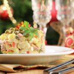 Томские ученые назвали вредные продукты в салате оливье