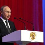 Президент России Владимир Путин поздравил всех военнослужащих с Днем Защитника Отечества