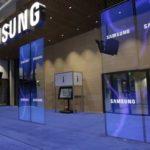 В новый Samsung Galaxy S10 собираются встроить фронтальную камеру в экран