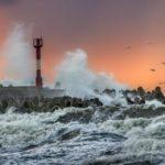 Штормовое предупреждение на Камчатском полуострове