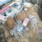 Количество жертв после обрушения зданий в Китае увеличилось до 15