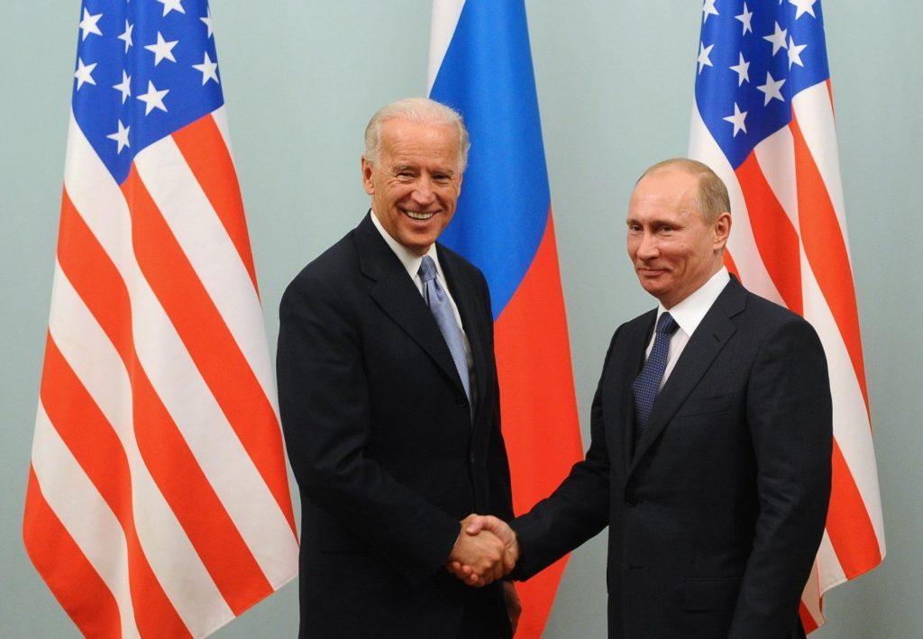 https://static.news.ru/photo/99e16e88-1f36-11eb-8295-fa163e074e61.jpg